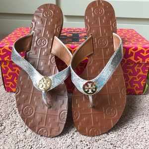 3500dec384a27e Tory Burch Shoes - NIB Tory Burch Thora leather Sandals silver sz 7
